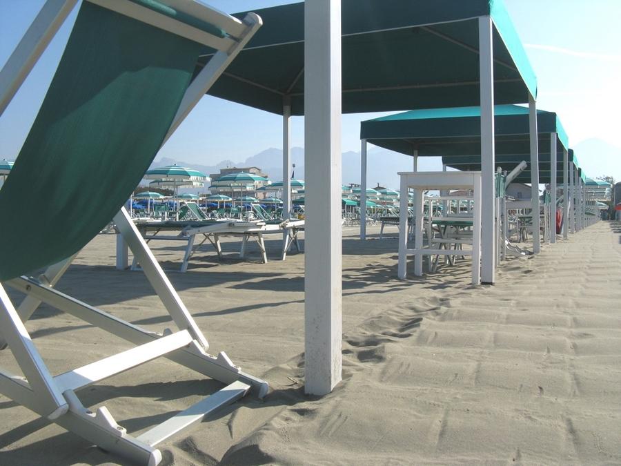 Scopri il bagno internazionale marina di pietrasanta e la - Bagno internazionale cesenatico ...